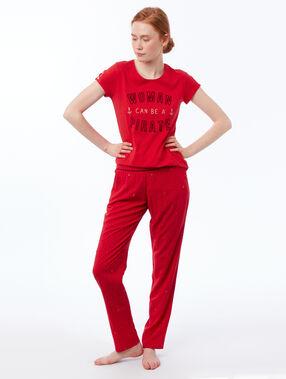 T-shirt imprimé à message rouge.