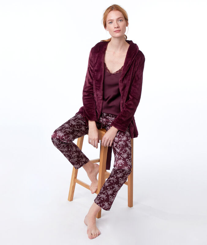 Pyjama 3 pièces bordeaux grenat.
